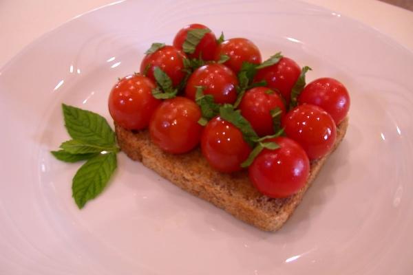 grilled-tomato-and-basilF0BFA3C4-CB61-9978-33B0-094D6CB0A687.jpg